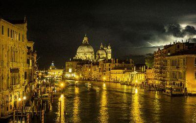 Venice Storm Lightening, Steward  Duncan , England