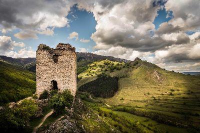 Ruine, Draga  Andrei Paul , Romania