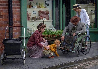 The Helping Hand, Buckett  Derek , England