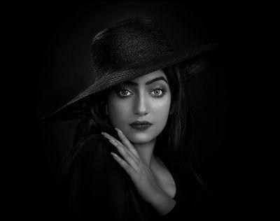 LADY WITH HAT, Jana  Dipankar , India