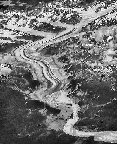 Alaskan Glacial Morraine, Langevin  Dee , Usa