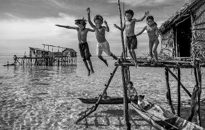 Jump Into The Sea, Chen  Xinxin , China
