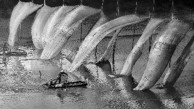 Working At River, Leung  Cyril Kwok Keung , Hong Kong