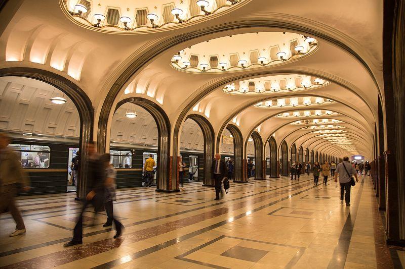 MOSCOW TRAIN STATION, Siu  Miranda , Canada
