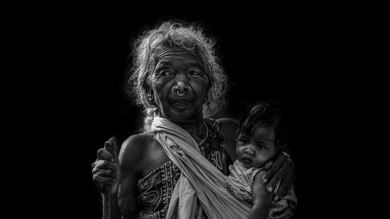 Holding Child, Deshpande  Anil Kumar , India