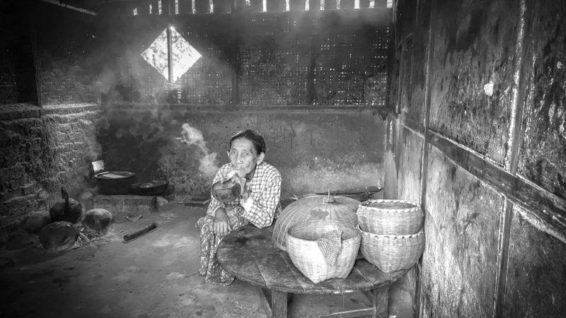 Old Lady Smaoking, Teo  Han Kim , Singapore