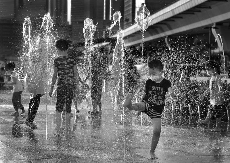 Pool Plaza3, Mak  Yiu Tung , Hong Kong