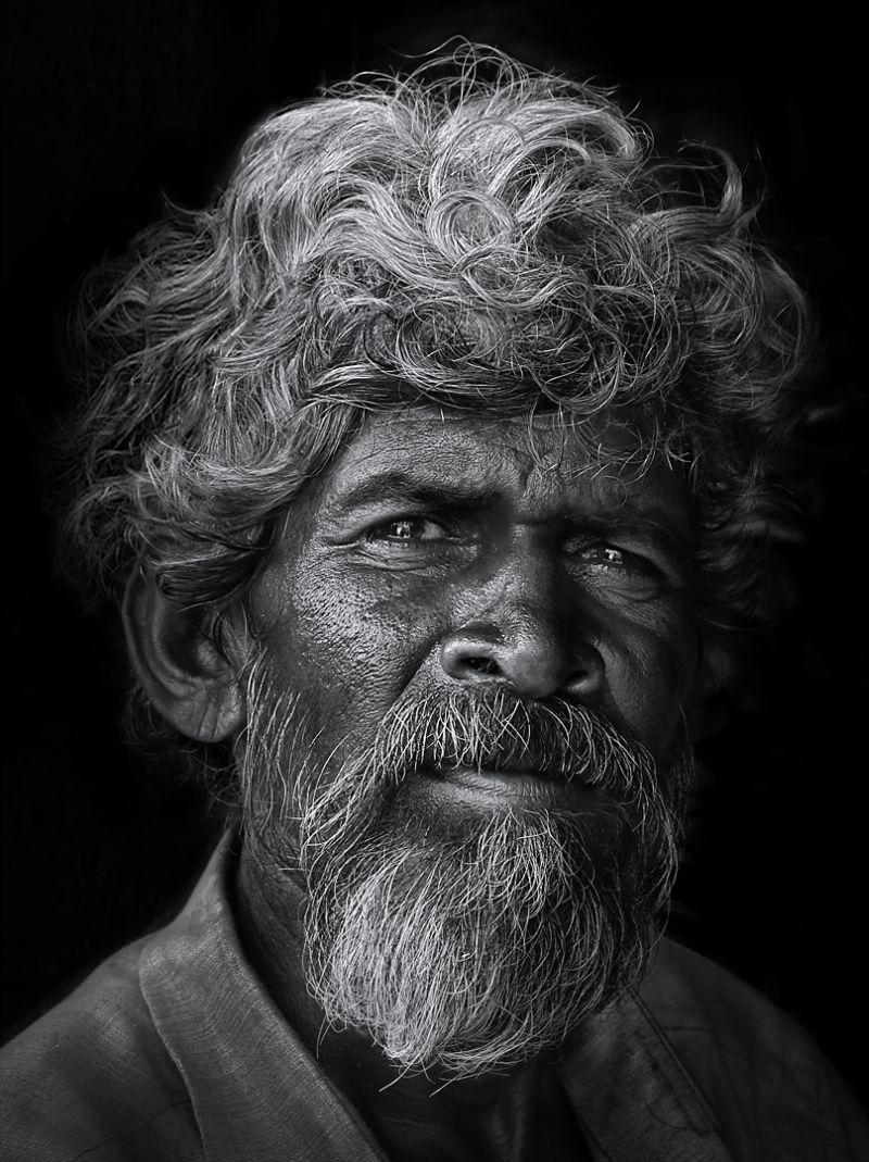 Coolie, Kumar  Ashok , India