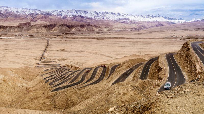 The Winding Road To Hope, Tong  Jiangchuan , China
