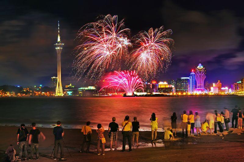 Watch Fireworks, Voon Wah  Wong , Hong Kong
