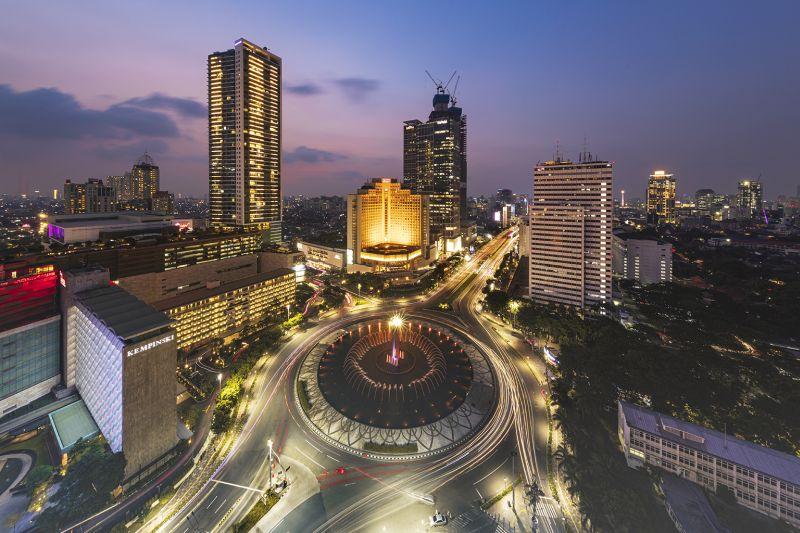 Bunderan HI Dari Mandarin, Adriani  Maria , Indonesia