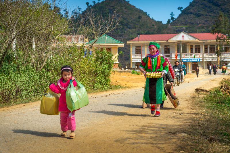 Helping Mother, Tan  Min , Malaysia